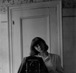 diane-arbus-self-portrait-1945